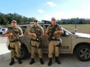 Homens armados invadem residência em Sanga Funda e roubam veículo