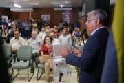 Eduardo Moreira empossa médicos veterinários da Cidasc