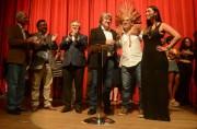 Colombo entrega contratos aos contemplados pelo Prêmio Elisabete Anderle