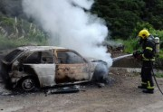 Proprietário de veículo ateia fogo ao próprio carro em Lauro Müller