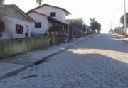 Tarado de moto já abordou três jovens no bairro Raichaski