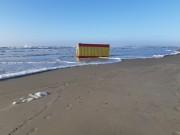 Ressaca causa estragos na beira-mar de Balneário Rincão
