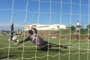 Jogadores treinam parte técnica e tática