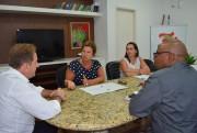 Presidente da FECAM apresenta demandas a Comin