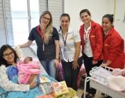 Famílias são presenteadas na Maternidade do HSD