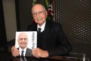 Engenheiro Ruy Hülse ganha busto na Praça do Congresso