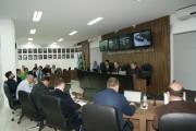 Comitiva busca apoio para sanar dívida do município