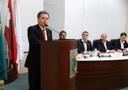 """Célio Elias assume na Câmara e propõe redução das """"férias"""""""