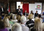 Salvaro assina convênios com entidades não governamentais