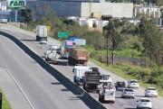 DNIT/SC realiza trabalhos em pistas da BR-101 em Capivari de Baixo