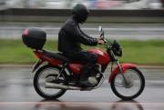 Tempo instável requer atenção dos motociclistas