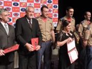 """Prefeito recebe diploma """"Amigo do Corpo de Bombeiros Militar"""""""