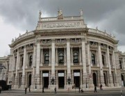 Aluna de Odonto da Unisul viajará para estágio em Viena