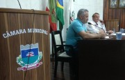 Vereadores convocam secretária de Administração