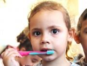 Alunos do CEI Washington recebem orientações sobre escovação