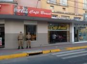 Polícia Militar mantém presença forte na área central de Araranguá
