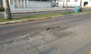 Indicada a manutenção da camada asfáltica de avenida