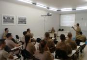 PMs do 19º BPM recebem treinamento de novas armas não-letais