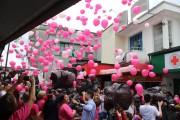 Soltura de balões marca a abertura oficial do Outubro Rosa