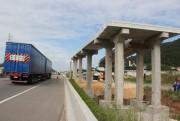 Última passarela em construção na BR-101 recebe pré-lajes