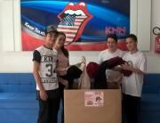 KNN Idiomas de Içara distribui agasalhos para instituições