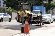 Operação tapa-buracos repara vias em Criciúma