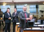 Acabou os salários vitalícios para ex-governadores