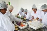 Unesc oferece curso de culinária para mulheres de Criciúma