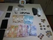 PM de Araranguá prende pai e filha por tráfico de drogas