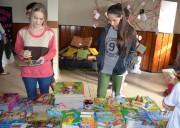 Feira do Livro inicia com contação de histórias em Siderópolis