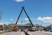 DNIT/SC faz nova instalação de longarinas em passarela