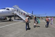 Governador acompanha voo inaugural da empresa Azul