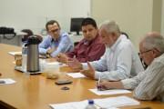 Prefeitos pedem para JBS rever casos de avicultores desligados