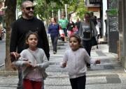 Sábado Total: pais são homenageados com música na praça
