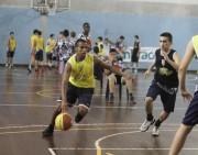 Atleta júnior de Criciúma joga basquete nos Estados Unidos