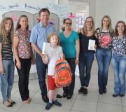 Estudantes recebem premiação do Concurso Recicla CDL