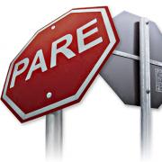 Vereador pede implantação de placa de trânsito