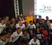 Atletas da base do Tigre assistem palestra de Oscar Schidt