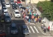 Assaltantes roubam malote e são detidos por populares