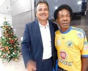 Massagista campeão pelo AEC visita a Câmara de Araranguá