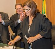 Juíza federal Luísa Hickel Gamba toma posse no TRE-SC