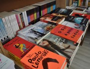 Livros viram opção de presente no Criciúma Shopping