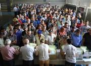 Agricultores recebem documentos para regularizar imóveis