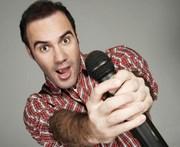 Humorista Diogo Portugal traz stand up ao Elias Angeloni
