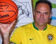 Oscar Schmidt fala sobre desafios e superação em Criciúma