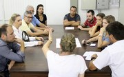 Reunião para instalação de revestimentos cerâmicos