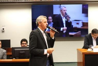 Em Brasília, Dresch participa de audiência sobre extinção do MDA