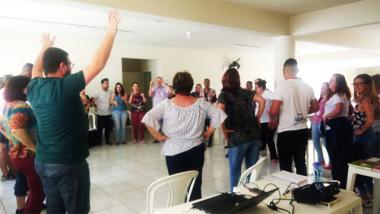 Profissionais do SCFV de zero a 17 anos da Afasc, participam de formação continuada com assistente social