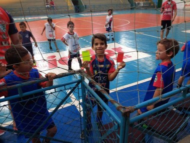 Aluno do Projeto Social apresenta pesquisa esportiva