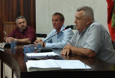 Representantes da Casan e da Administração vão ao Legislativo